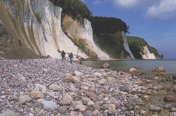 Kreideküste mit Geröllstrand (Bild mit freundlicher Genehmigung © Demmler Verlag)