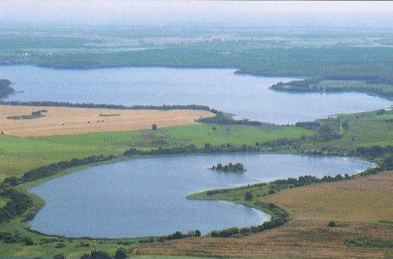 Borgwallsee von Norden aus gesehen, im Vordergrund der Pütter See (Bild mit freundlicher Genehmigung © Demmler Verlag)